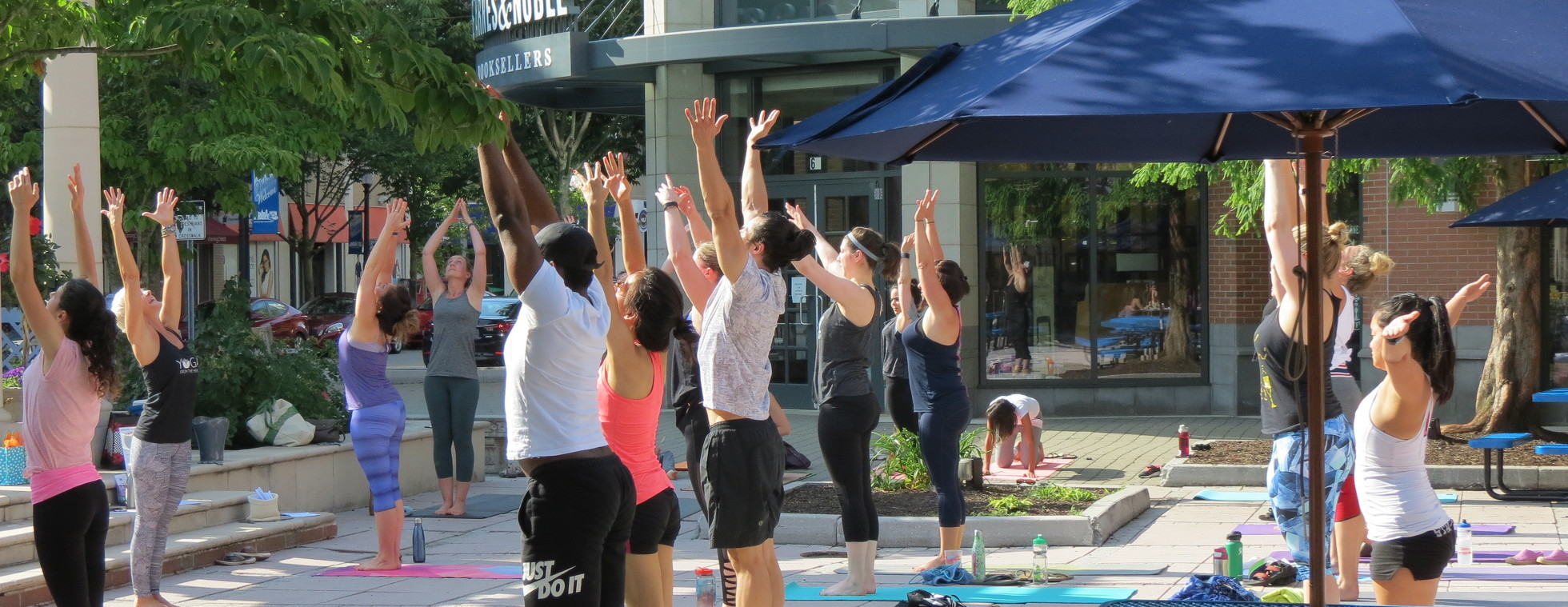 2019 Blue Back Square Yoga Event